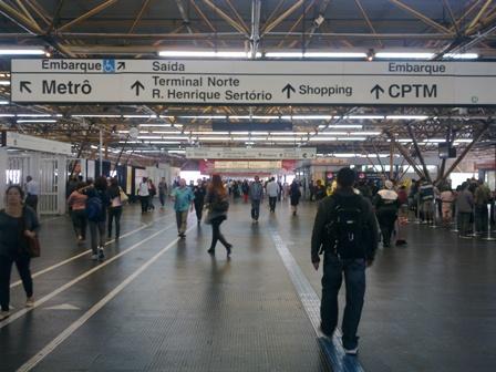 Metrô de São Paulo retorno do feriado