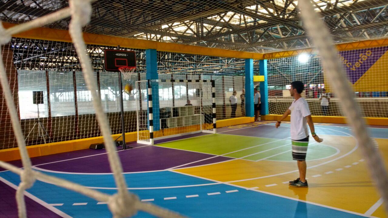 Projeto Sesc Verão traz lenda do vôlei à Estação Barra Funda da CPTM ... 0bc367e499cf0