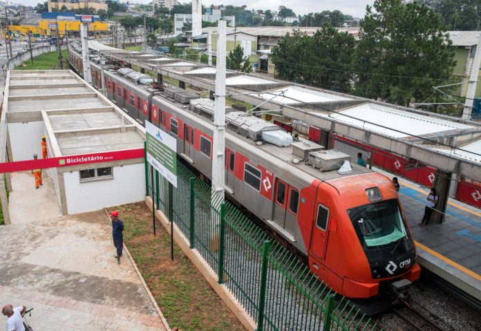 Estação Jardim Silveira da Linha 8-Diamante