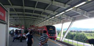 trem chegando na estação cecap linha 13-jade