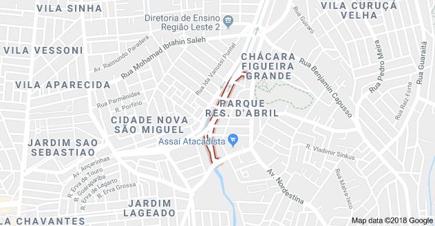 Rua Árvore da Judea Cidade Kemel II