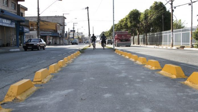 Avenida Vereador João Batista Fitipaldi