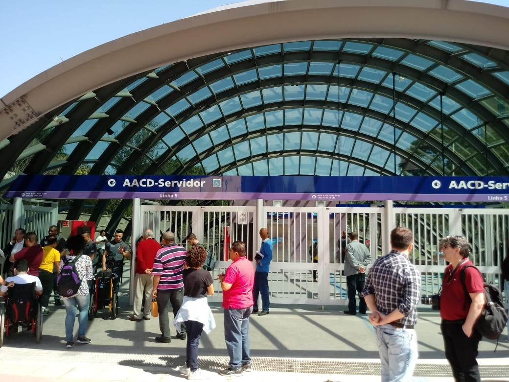estação aacd servidor na frente
