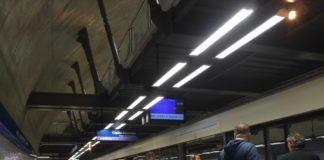 Estação Santa Cruz portas de plataforma