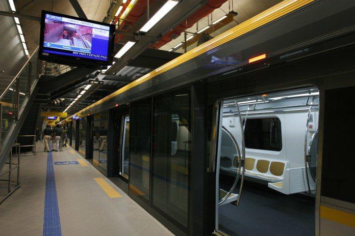 Grupo CCR Linha 4-Amarela Carnaval Linha 4 ViaQuatro de passageiros