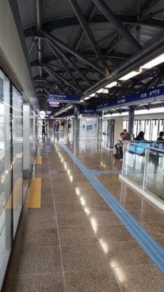 Estação Vila Tolstói vazia