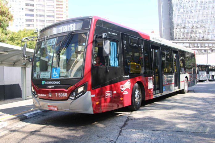 Metrô Morumbi Linhas Jardim Colombo Greve de ônibus
