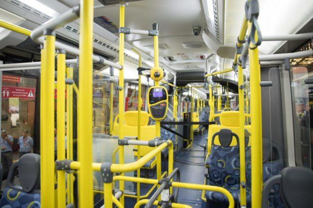 metra interior veículo