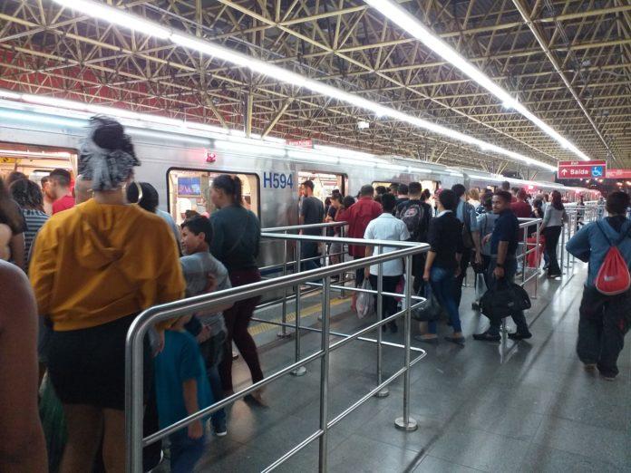Estação Corinthians-Itaquera da Linha 3-Vermelha