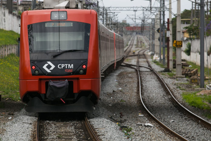 CPTM Chuvas Provas do Enem Trem CPTM Linha 12-Safira