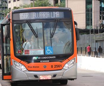 Ônibus Linhas na Pompeia Rua Barão do Bananal