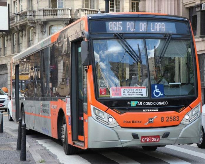 Casos de Covid-19 Ônibus Alterações no Centro Festival de Natal