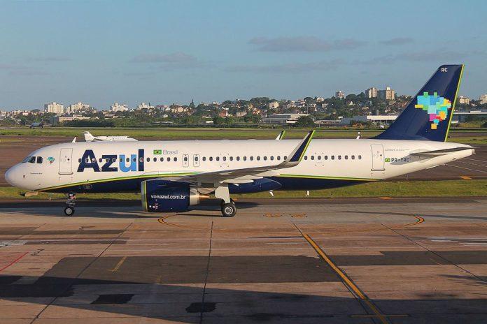 Avião da Azul Terminal 1