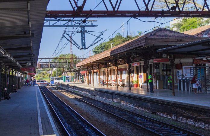 Estação Caieiras Linha 7-Rubi