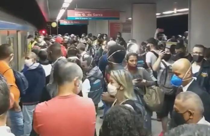 Plataforma Tamanduateí Linha 10-Turquesa