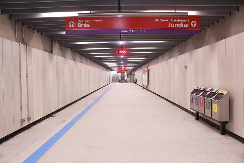 Corredor na estação