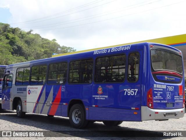 Ônibus da BR Mobilidade EMTU