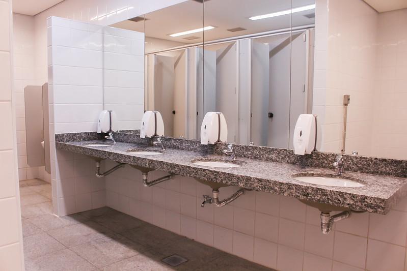 Pias no sanitário