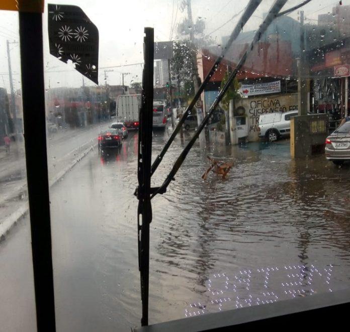 Chuva Estrada do Campo Limpo