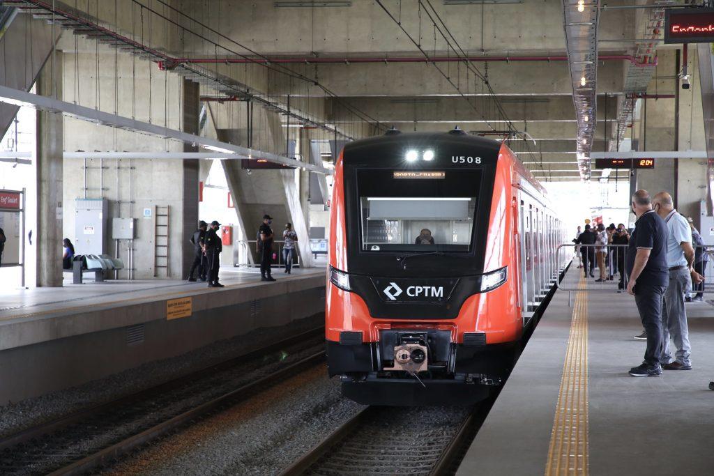 Linha 13-Jade Trem