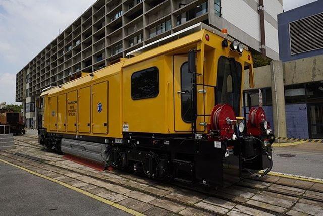 Trem Esmerilhador
