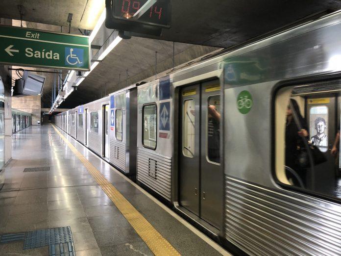 Trem na Linha 2-Verde