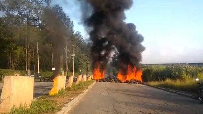 Fogo Pneus em Perus