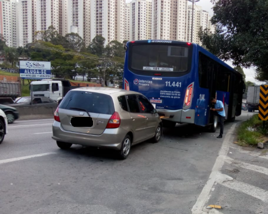Ônibus Carro em Taboão