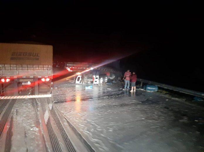 Caminhão Acidente Barra do Turvo