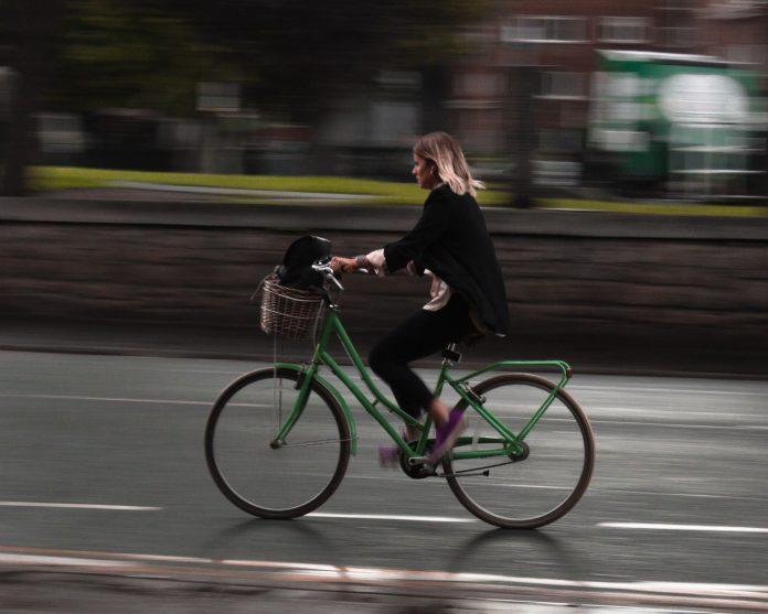 Pedalando Bicicleta