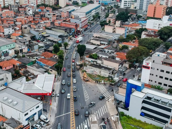Avenida Newton Monteiro de Andrade