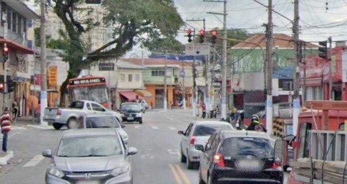 Avenida do Rio Pequeno