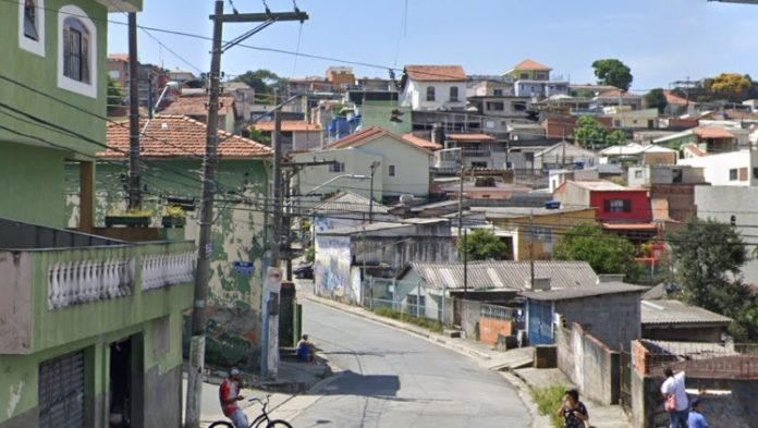 Rua Domingos Francisco Lisboa