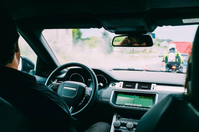 Motorista de carro